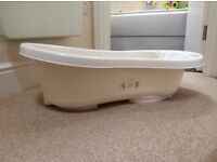 Cream baby bathtub with built in support - AVAILABLE FROM 3RD JULY