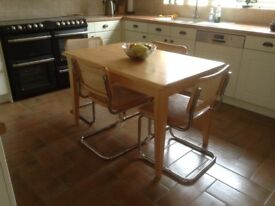Kitchen table and 4 chairs. Very good condition.