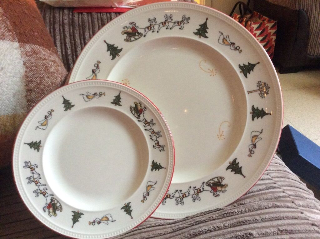 Wedgewood Windsor Christmas dinner and side plates X 6 & Wedgewood Windsor Christmas dinner and side plates X 6 | in Westbury ...
