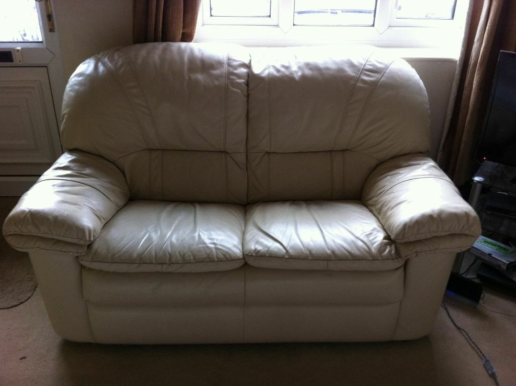 2 Seater + 3 Seater Cream Leather Sofa Set, Extremely Comfy Used