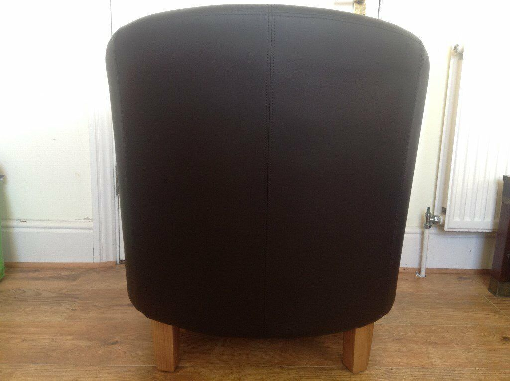 Brown Faux Leather Tub Bucket Chair   Excellent Clean Condition   Bargain!  Image 1 Of 4