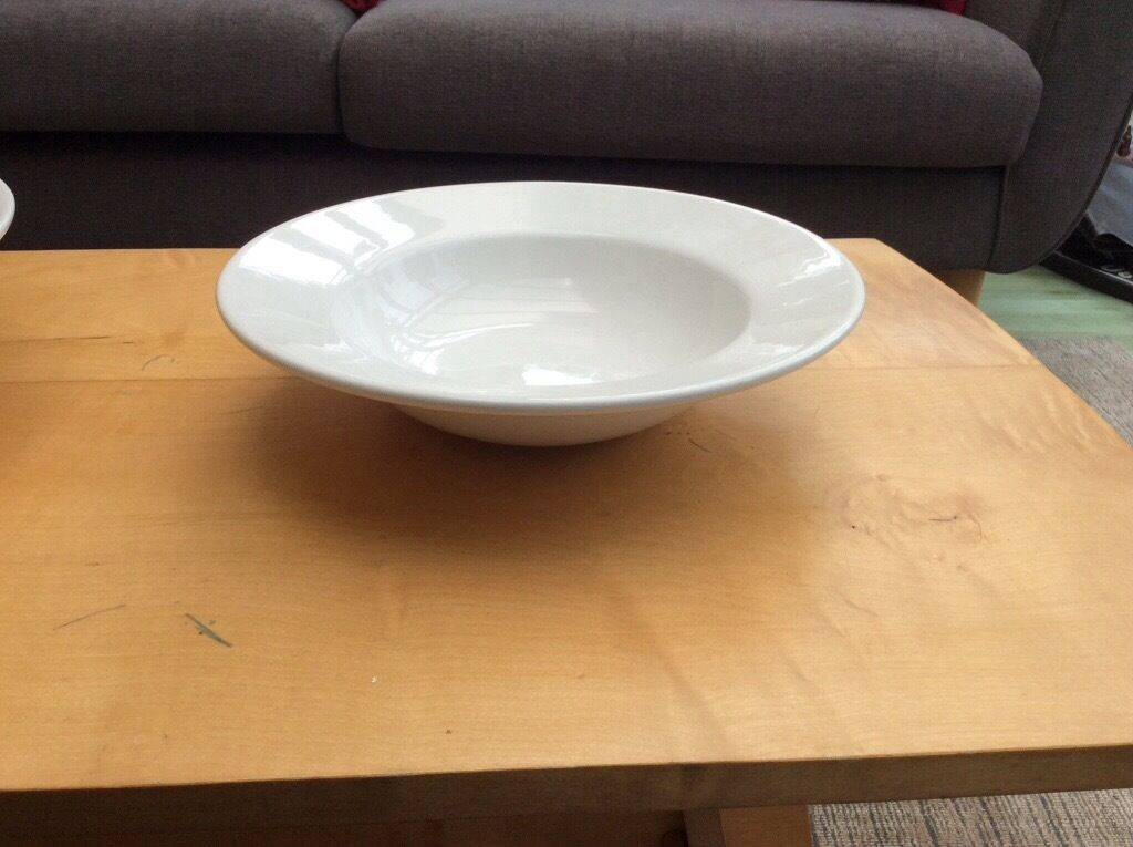 Large white pasta serving dish with 5 white dinner plates and 3 bowls & Large white pasta serving dish with 5 white dinner plates and 3 ...