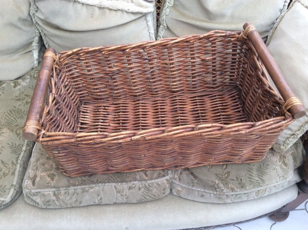 Amazing 2 X Large Ikea Wicker Baskets With Wooden Handles
