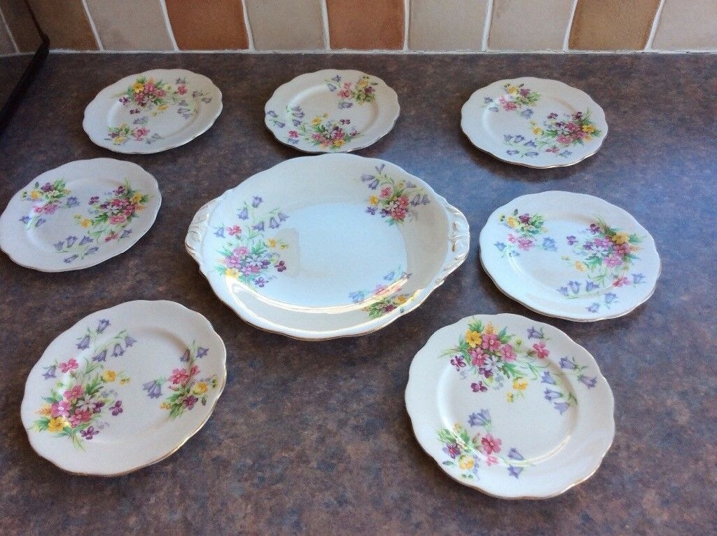 Queen Anne Old Country Spray set of 7 small cake/ bread u0026 butter plates and & Queen Anne Old Country Spray set of 7 small cake/ bread u0026 butter ...