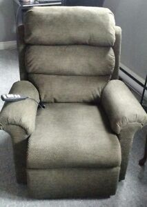 Medical Lift Recliner Chair Only 9 Months Old
