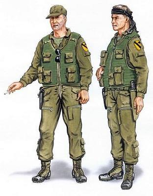 PLUS MODEL AL4048 Crew for UH-1 Huey Resin Figuren in 1:48