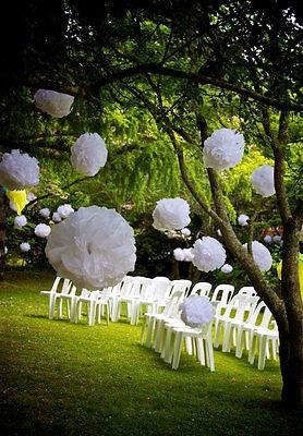 Ein paar Servietten können einen Garten in die Traum-Location verwandeln. (© J Roberts Photography)