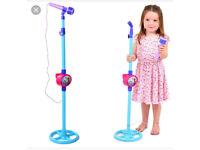 FROZEN iPod microphone working toddler singing 🎤