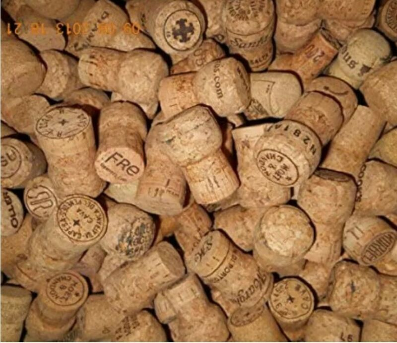 50 *CHAMPAGNE CORKS* GOOD QUALITY, GREAT FOR CRAFTING!  EXC USED COND