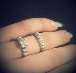 14K White gold engagement ring and band
