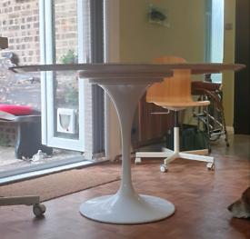 Original mid-century Rudi Bonzanini tulip dining table
