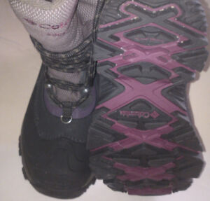 Men`s Boots by Columbia size 6US