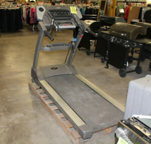 Spirit XT675 Commercial Treadmill