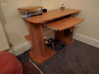 Excellent condition Desktop/office table and chair