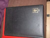 COLLECTION OF 700 CANADA USED STAMPS IN STOCK BOOK