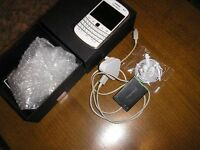 Blackberry bold 9900 unlocked mint