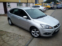AUTOMATIC FORD FOCUS 1.6 ZETEC . PARKING SENSORS. 1 YEAR MOT . SUPERB DRIVE . BARGAIN.