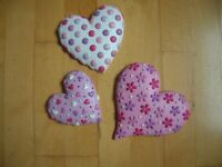3 decorative heart wall plaques from Next – resin decorated