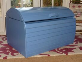 Large Unusual Shaped Canadian Made Painted Children's Wooden Trunk Chest Storage