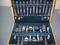 Viners 44 piece cutlery set in a beautiful case