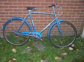 GENTS TRADITIONAL UPRIGHT 3 SPEED TOWN BICYCLE READY TO RIDE.NO WORK REQUIRED