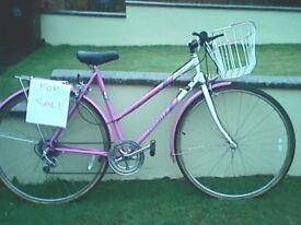Ladies Emmelle Promenade Bicycle immaculate condition