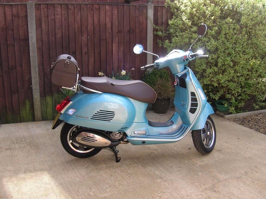 vespa 125 70th anniversary