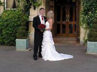 Wedding Dress - Size 10/12 Make - Mariee De Paris