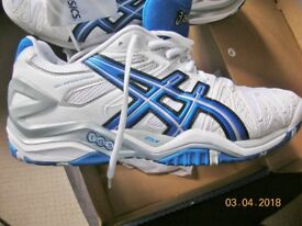 Asics Gel Mens / Boys Size UK6 Tennis Badminton Squash shoes Gel Resolutions don't fit still in box