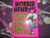HORRID HENRY JOKE BOOK