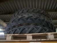 Tractor rowcrop wheels and tyres