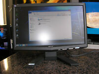 """ACER 16"""" LCD MONITOR, VGA and power cable included"""