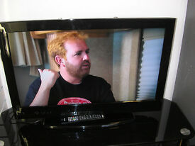 "LUXOR 32"" LCD TV"