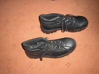 Men's Size 10 work boots and shoes with steel toe caps. Never worn. £10