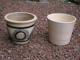 GLAZED ORNAMENTAL GARDEN POTS
