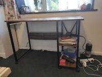 Foldable desk / table