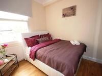 2 bedroom flat in Woodside Park Road, Woodside Park