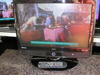 "UMC 19"" LCD TV/DVD"