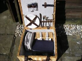 As new Picnic Basket for two people