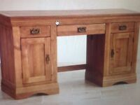 Beautiful solid Oak desk