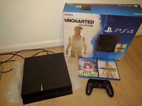 PS4 + 4 TOP games - mint condition