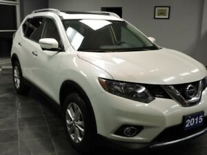 2015 Nissan Rogue SV TECH AWD | PANO ROOF | NAVI | CAM | AWD!