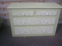 PRETTY RUSTIC COUNTRY COTTAGE STYLE CHEST OF DRAWERS - REDUCED FOR QUICK SALE