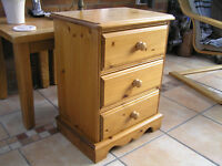 PINE CHEST OF DRAWERS - ideal bedside 3 drawer chest of drawers