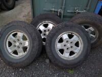 Jeep Cherokee (KJ) 2000-2007 set of 4 Wheels and Tyres