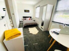 Ensuite double room including bills