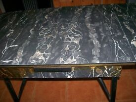 VINTAGE 1960's EXTENDABLE MARBLE EFFECT FORMICA TOP KITCHEN TABLE