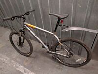 2011 Genesis Core 00 Hard tail Mountain Bike