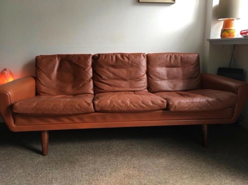 Original Retro Leather Sofa Danish