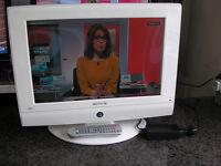 """WHITE AKURA 19"""" TV/DVD 12 V"""